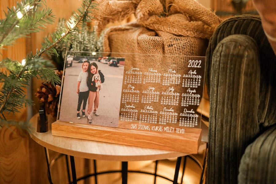 Stikla galda kalendārs ar foto