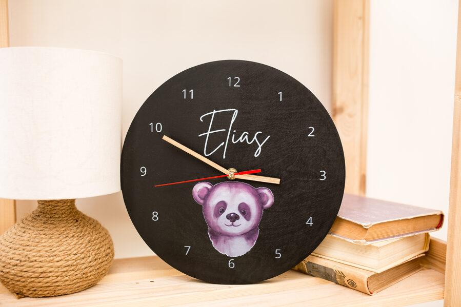 Melns pulkstenis bērniem ar dažādiem dizainiem